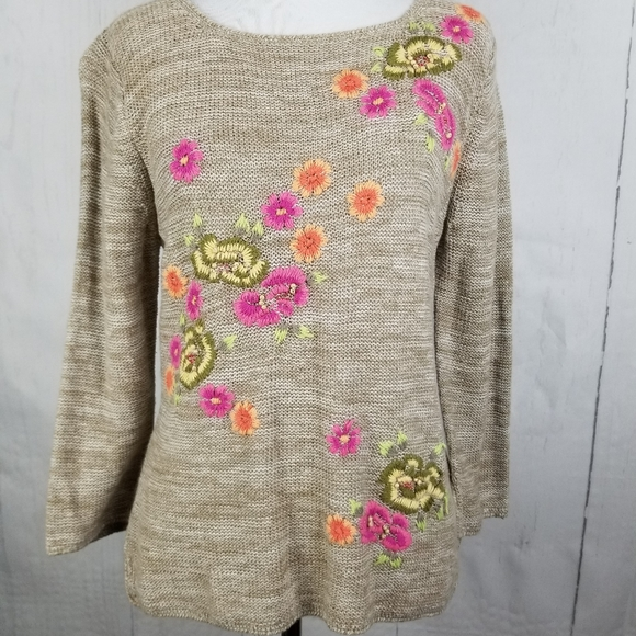 S.A. Collection Sweaters - 🌀S. A. Collection Beige Floral Sweater Size M